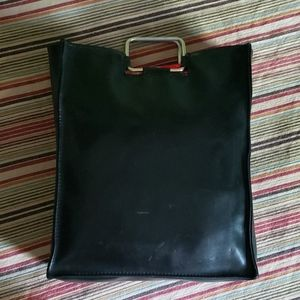 chic PU leather hand/tote bag, great as a shopper